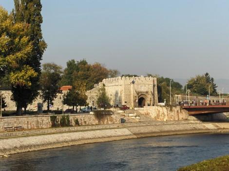 Reka Nišava in Trdnjava.