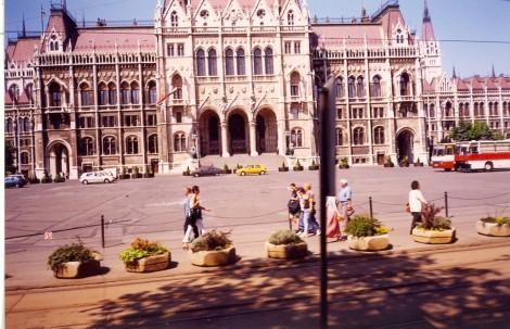 Palača parlamenta v Pešti.