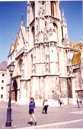Matjaževa cerkev na grajskem griču, kjer so kronali kralje, danes v njej prirejajo tudi koncerte.