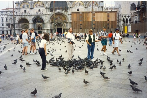 Markov trg v času ko hranjenje golobov še ni bilo prepovedano