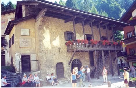 Rojstna hiša slikarja Tiziana, Pieve di Cadore.