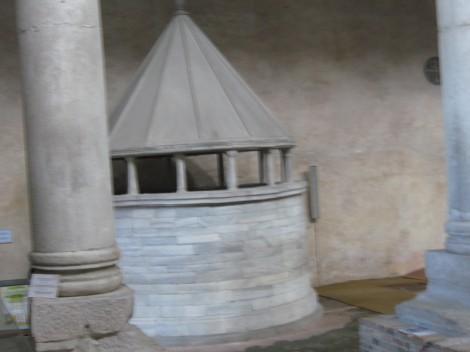 Božji grob postavljen v začetku 12. stoletja.