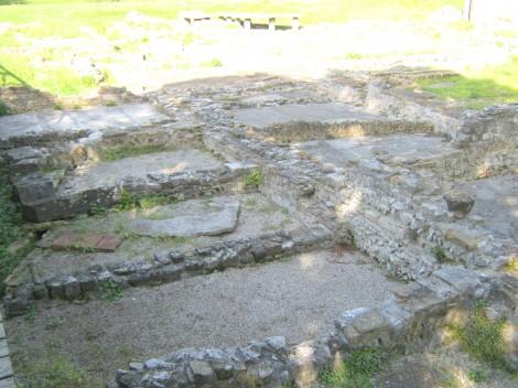 Temelji družinskih hiš v Ogleju, iz rimskih časov.