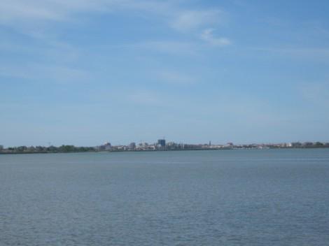 pogled iz otoka Barbana na Gradež