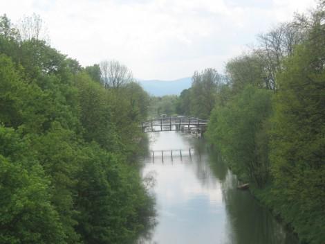 Most, ki bo skrajšal pot do Botaničnega vrta.