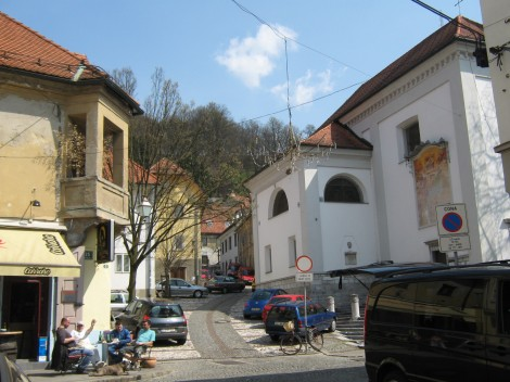 Pot na Ljubljanski grad, mimo cerkve sv.Florjana.