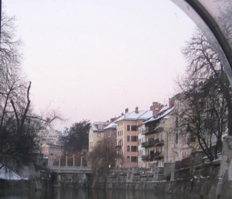 Čevljarski ali Šuštarski most, slikan z reke.