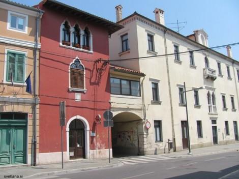 Hiša de Rin iz 15. stoletja - beneška hiša v Kopru.