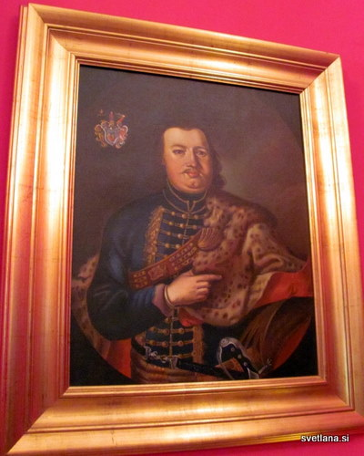 Grof Krsto II Oršič je bil vojskovodja. Njegov portret, ki visi v dvorcu je delo slovenskega slikarja Fortunata Berganta.