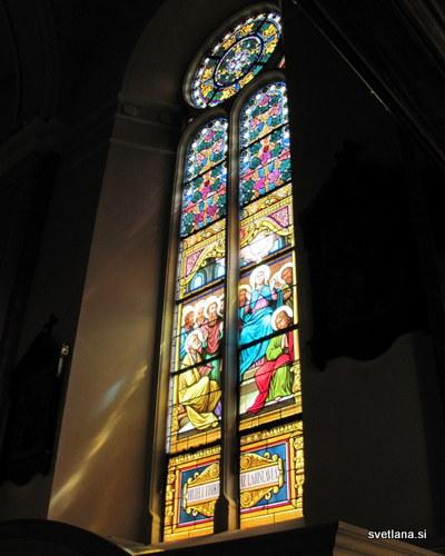 Vitraž v baziliki