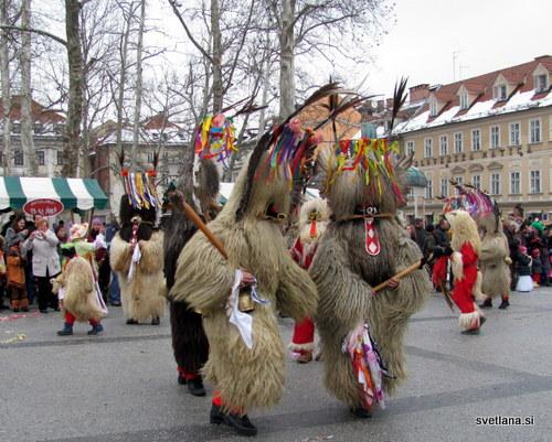 Kurenti prinašajo srečo, odganjajo zimo in oznanjajo pomlad