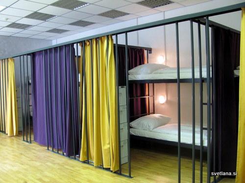 Hostel Tresor, več posteljna soba, ki ponuja tudi nekaj zasebnosti