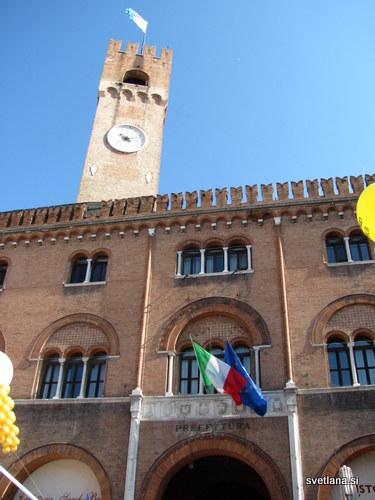 Treviso, glavni mestni trg, Piazza del Signori in mestni stolp