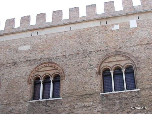 Treviso, palača Trecento, začetki segajo v leto 1185, sedež mestnega sveta