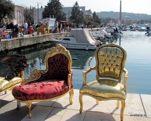 Kraljevsko lepi stoli ob morju. Mednarodni sejem starin v Izoli