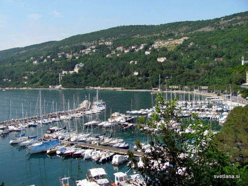 Pogled z Malega gradu na pristanišče Grignano